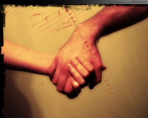 holding-hands-photography-535693_1280_1024
