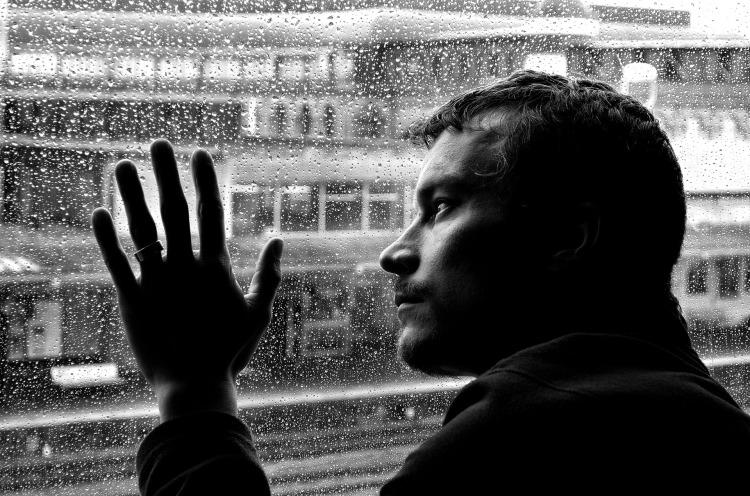 sad-man-and-rain-1330349202vkv